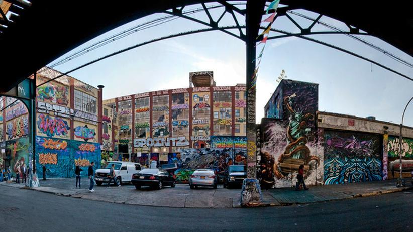 New York: Graffiti in Trümmern