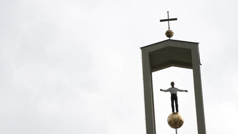 Kunstmarkt: Eine Fernbeziehung zwischen Kirche und Kunst