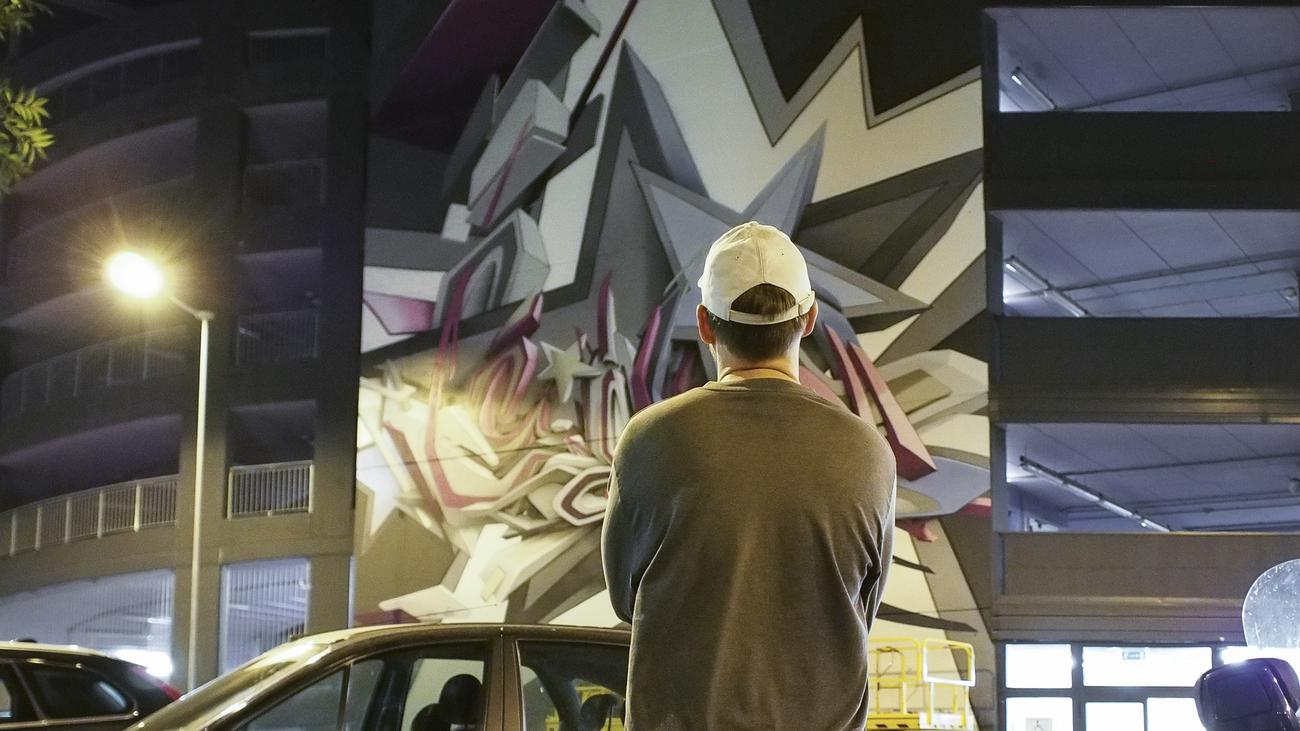 graffiti kunst ich spr he also bin ich zeit online. Black Bedroom Furniture Sets. Home Design Ideas
