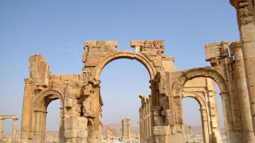 Palmyra: Gefährdetes Weltkulturerbe: die Ruinen der römisch-griechischen Tempelstadt Palmyra