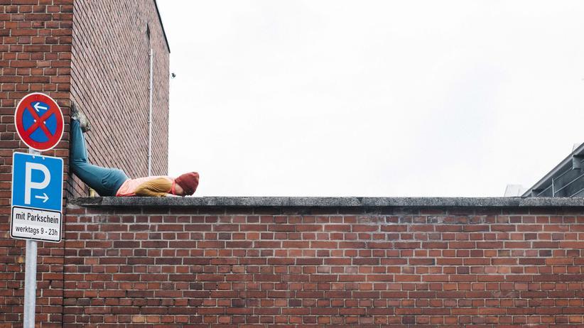 """Cityleaks Festival: Auch eine Art, sich die Stadt anzueignen: die Performance """"Bodies in Urban Space"""" des Choreografen Willi Dorner auf dem CityLeaks Festival 2015"""