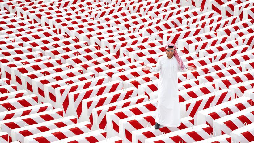 Saudi-Arabien: Auf den Barrikaden: Der Künstler Abdulnasser Gharem aus Saudi-Arabien und seine Installation »The Concrete Block«