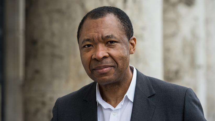 Okwui Enwezor: Früherer Leiter des Hauses der Kunst München ist tot