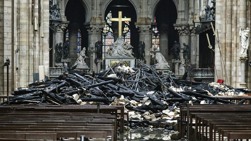 Feuer in Paris: Kurzschluss könnte Brand in Notre-Dame verursacht haben