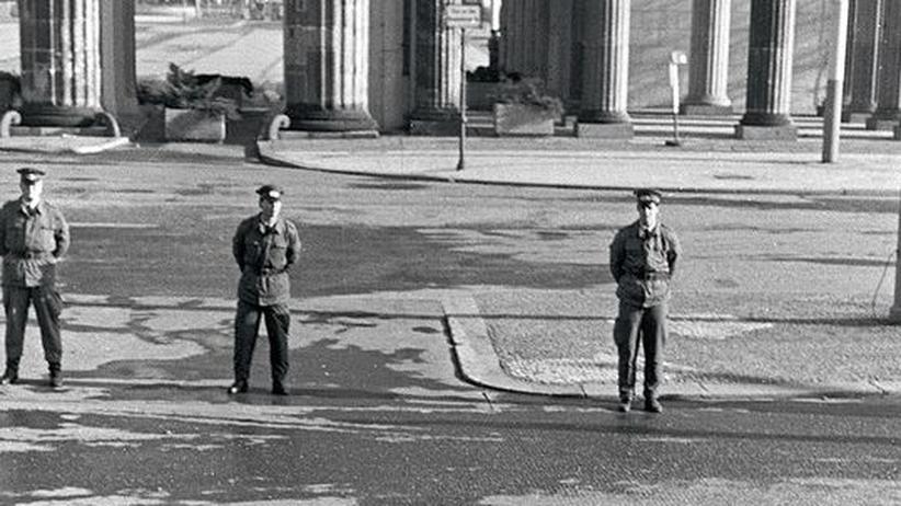 Literatur und Diktatur: Standardkonflikt in der DDR-Literatur: Der Einzelne und die Obrigkeit (Foto 1989)