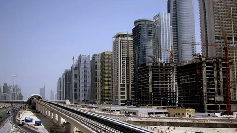 Kulturleben in Dubai: Wer baute Babel? Dubai ist die erste Golfmetropole, deren Pendler die Metro nutzen können