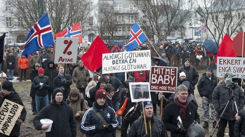 Finanzkrise: Proteste vor dem isländischen Parlament