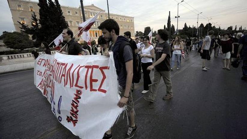 Volker Braun: Griechische Demonstranten in Zeiten der Staatskrise – für solche Notlagen fand Volker Braun schon vor Jahren treffende Worte