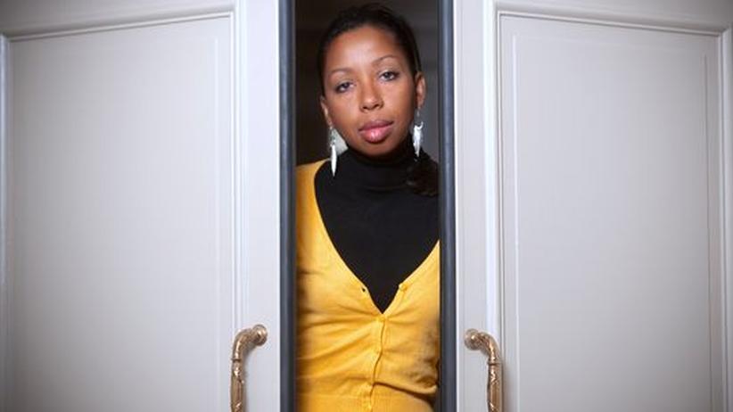 """Marie NDiaye: Marie NDiaye ist 43 Jahre alt und schreibt seit 25 Jahren. Ihr Roman """"Drei starke Frauen"""" ist ein herausragendes literarisches Ereignis"""