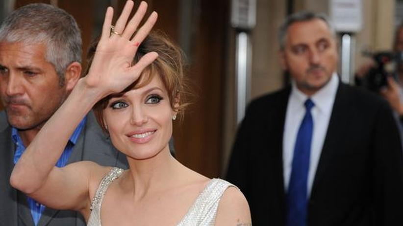 """Angelina Jolie: Angelina Jolie vor der Premiere ihres neuen Films """"Salt"""" in Paris"""