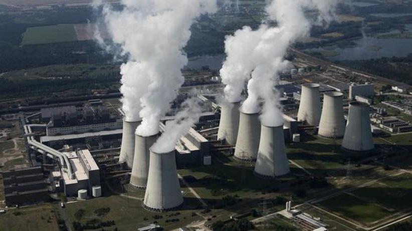 Konflikte der Zukunft: Das Kohlekraftwerk Jaenschwalde – eines der größten CO2-Produzenten in Europa