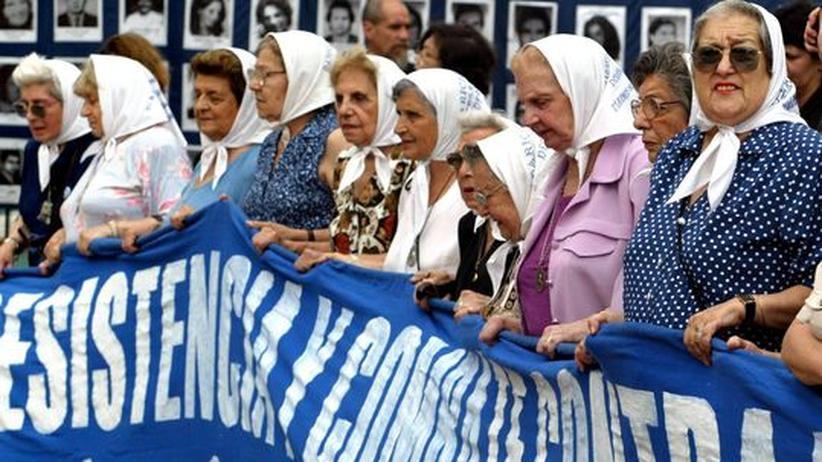 Argentinische Literatur: Frauen gedenken der Menschen, die während der Diktatur in Argentinien in den siebziger Jahren verschwanden