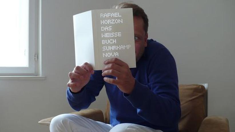 Porträt Rafael Horzon: Der Schriftsteller Rafael Horzon
