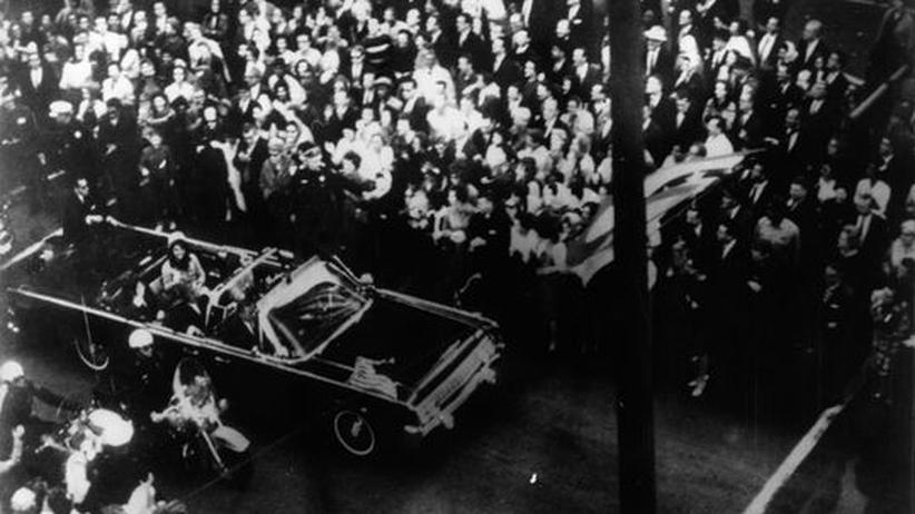 Sachbuch: John F. Kennedy, Augenblicke vor seiner Ermordung durch Lee Harvey Oswald