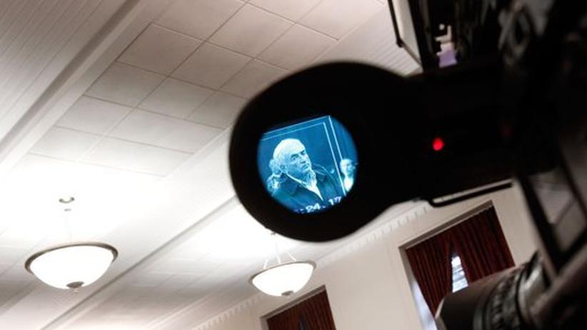 Justiz: Dominique Strauss-Kahn durch eine Kamera im Gerichtsaal, New York 2011