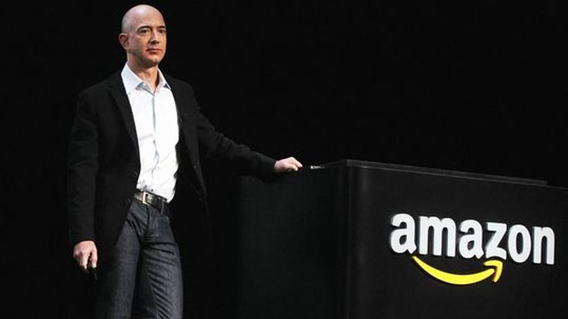 Amazon: Der Amazon-Gründer Jeff Bezos bei der Vorstellung des Readers Kindle Fire im September in New York.