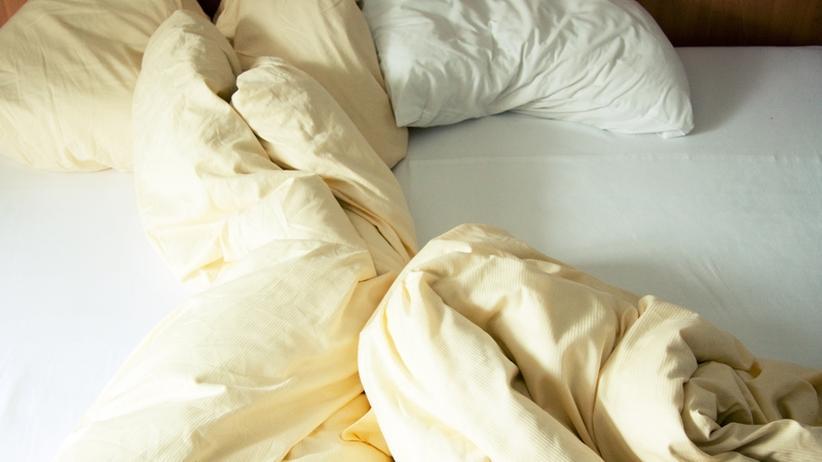 Liebeskolumne: Muss er unter ihrer Decke bleiben?