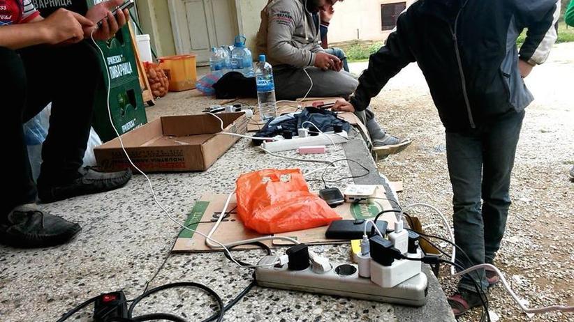 Handy-Aufladestation syrischer Flüchtlinge