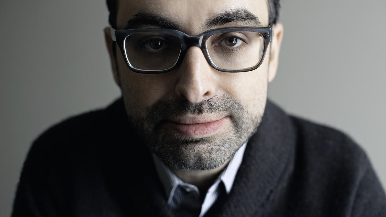 online disconnect by gary shteyngart A read-aloud for my online education class of only disconnect by gary shteyngart link to essay.