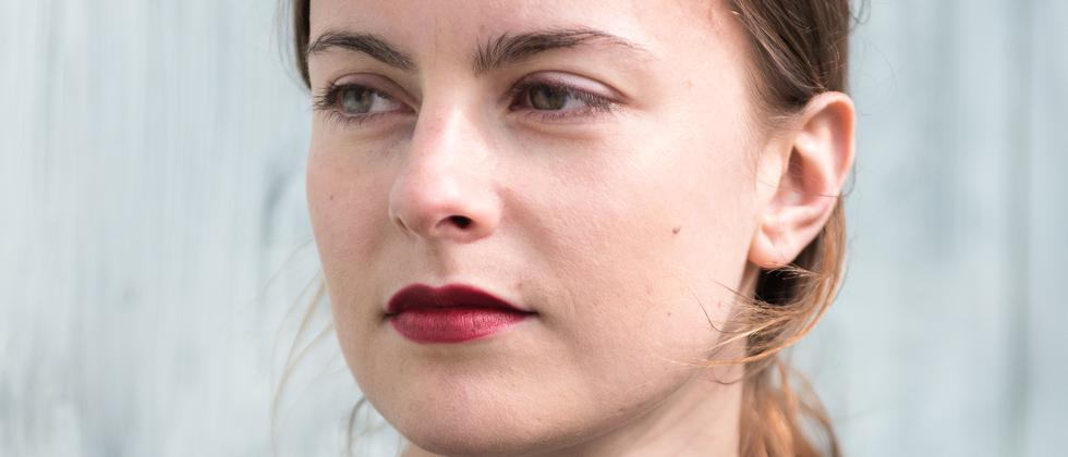 Die Autorin Mercedes Lauenstein