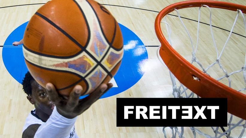 Basketball-EM: Mats Hummels isst ein Stück Vorderfuß