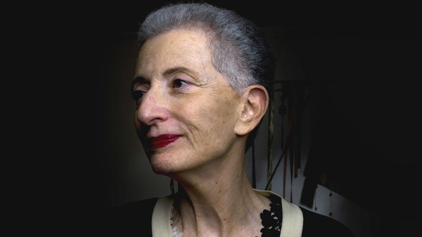 Hélène Cixous: Hélène Cixous ist französische Schriftstellerin und Feministin. Sie wurde 1937 in Algerien geboren.
