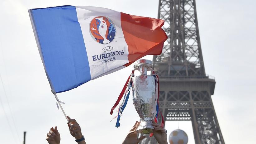 Fußball-EM: Paris hat Wichtigeres zu tun