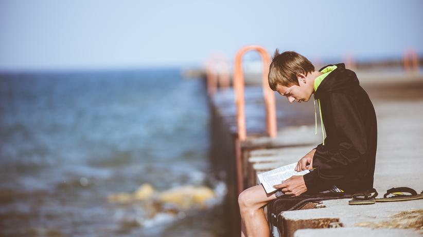 Bibliotherapie : Verfechter der Bibliotherapie glauben: Bücher helfen, wenn sie die Menschen dazu bringen, über ihre Probleme zu sprechen.