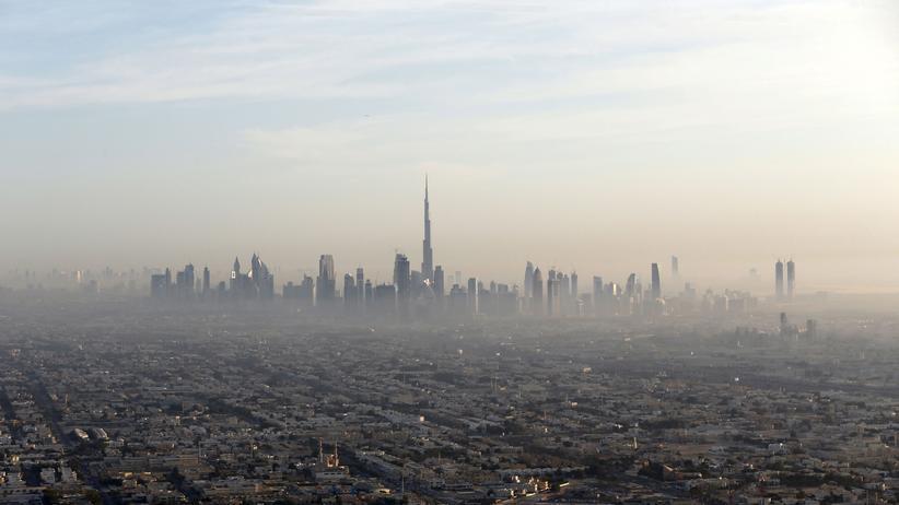 """""""Der Hund"""": Trügerische Schönheit: 85 Prozent der Bevölkerung von Dubai sind Arbeitsmigranten."""