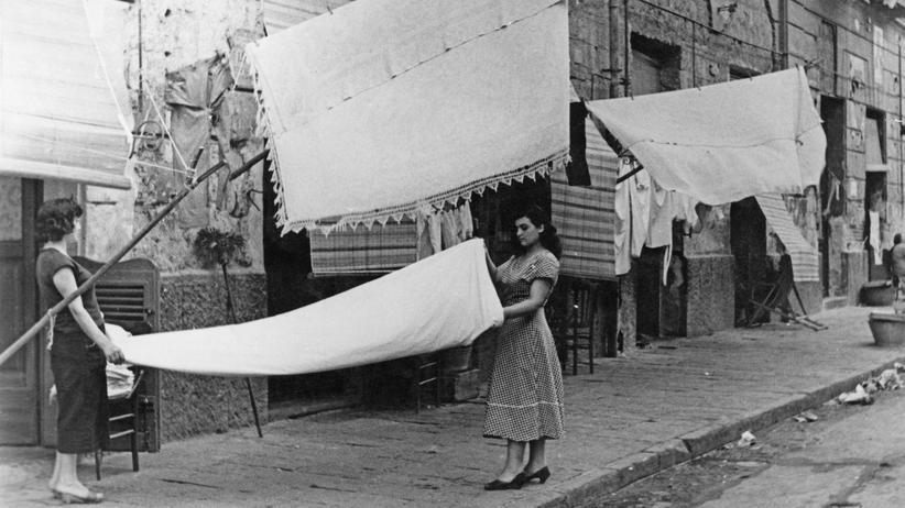 Elena Ferrante: Die ungelebten Träume der Frauen