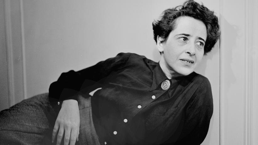 Rechtspopulismus: Sie floh vor den Nazis und verfasste eine Theorie des Totalitarismus: die in Königsberg geborene Philosophin Hannah Arendt (1906 - 1975), 1949.