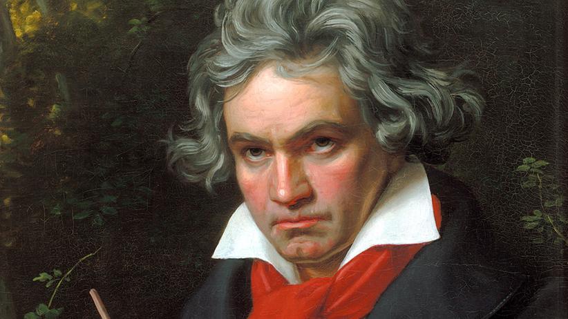 """Martin Geck: Ludwig van Beethovens Werk ist so komplex wie monströs. Doch der Musikwissenschaftler Martin Geck hat in seiner Studie """"Der Schöpfer und sein Universum"""" das Unmögliche geschafft: Beethovens Musik beschreibbar zu machen."""