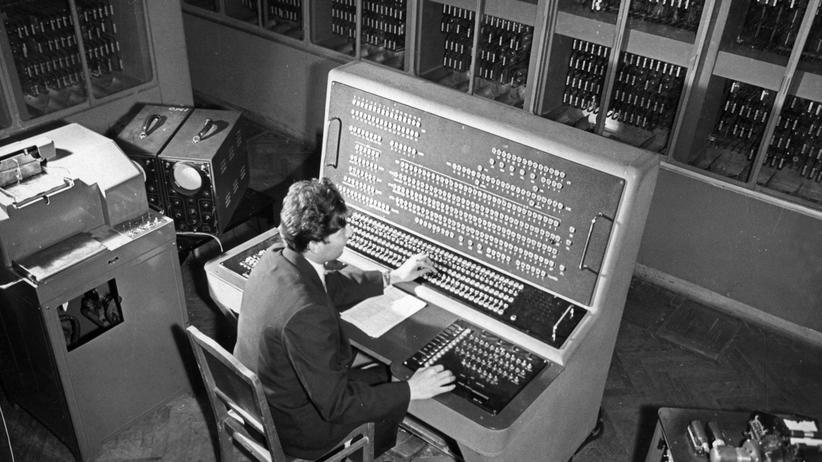 """""""Dunkle Zahlen"""": Der BESM-2-Computer in der Moskauer Akademie der Wissenschaften, 1959"""