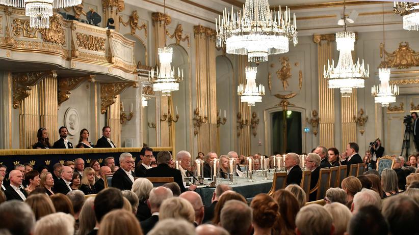 Schwedische Akademie: Die Schwedische Akademie bei ihrem jährlichen Treffen im Dezember 2017.