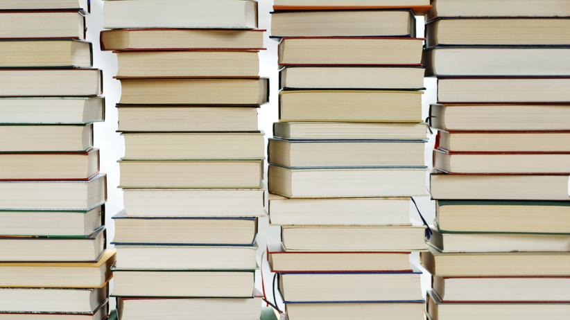Deutscher Buchpreis: Mehr als 200 Titel hatte die Jury des Deutschen Buchpreises seit Ausschreibungsbeginn gelesen – sechs Titel sind nun im engeren Rennen um den wichtigsten deutschen Literaturpreis.