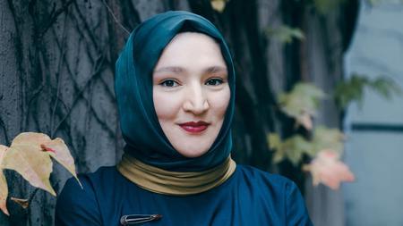 Kübra Gümüşay: Nie mehr intellektuelle Putzfrau | ZEIT ONLINE