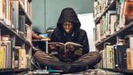 """Schwarze Jugendbuchautoren: """"Wir werden euch niemals das Mikro abdrehen!"""""""
