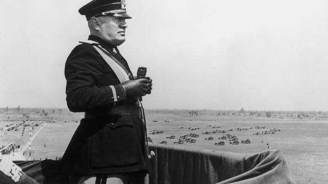 """""""M. Der Mann der Vorsehung"""": Im Gedärm des Faschismus"""