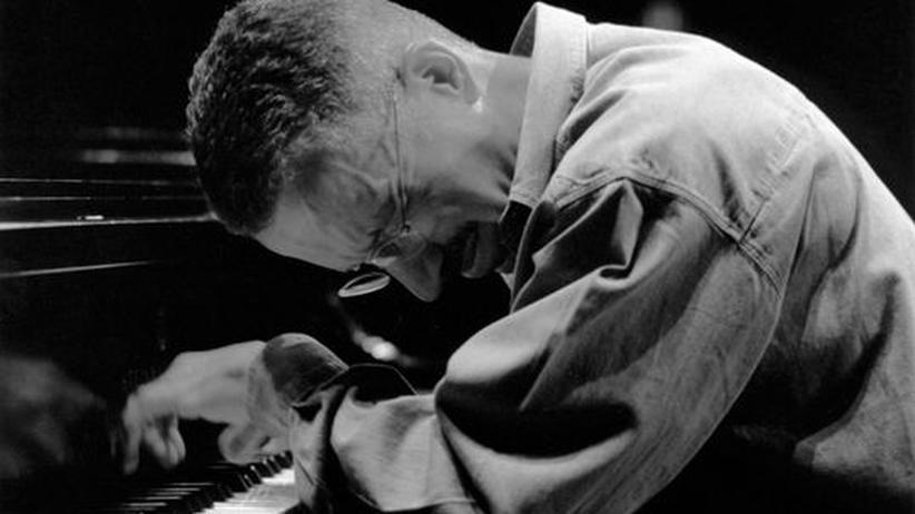 Keith Jarrett in Berlin: Verlässt sich auf die Eingebungen des Moments: der Pianist Keith Jarrett