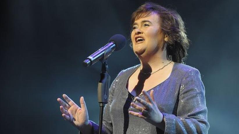 """Susan Boyle: Früher war Susan Boyle der """"haarige Engel"""", jetzt haben die Stylisten Hand an sie gelegt"""
