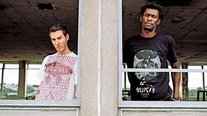 """Trip-Hop von Massive Attack: Sieben Jahre im Studio vergraben: Robert """"3D"""" Del Naja (links) und Grantley Evan Marshall von Massive Attack"""