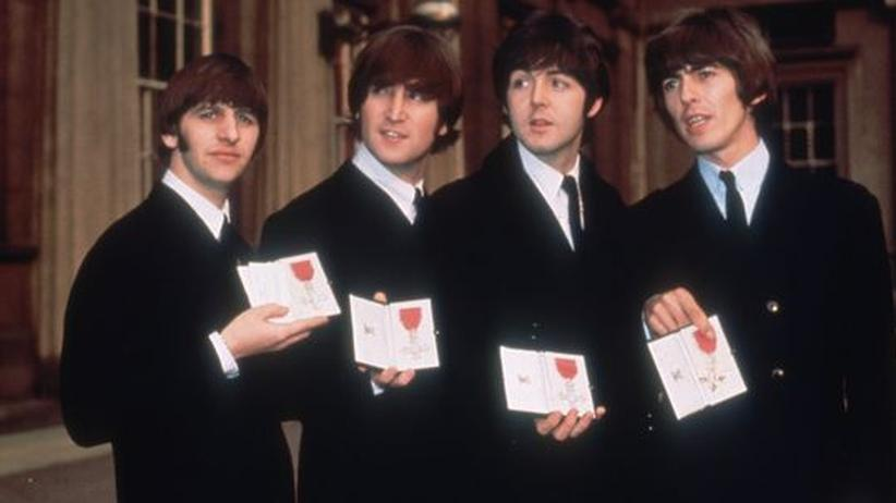 Beatles & Vatikan: Im Jahr 1965 von der Queen ausgezeichnet, 2010 auch vom Vatikan: The Beatles