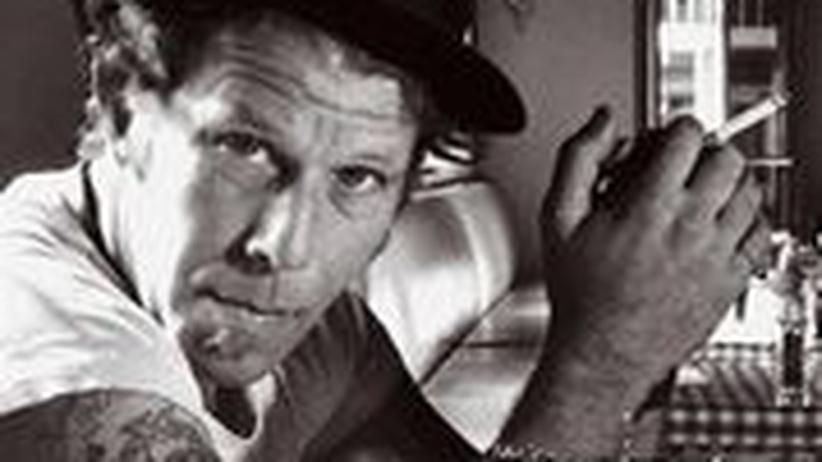 Biografie von Tom Waits: Erkennungsmerkmal: Bass