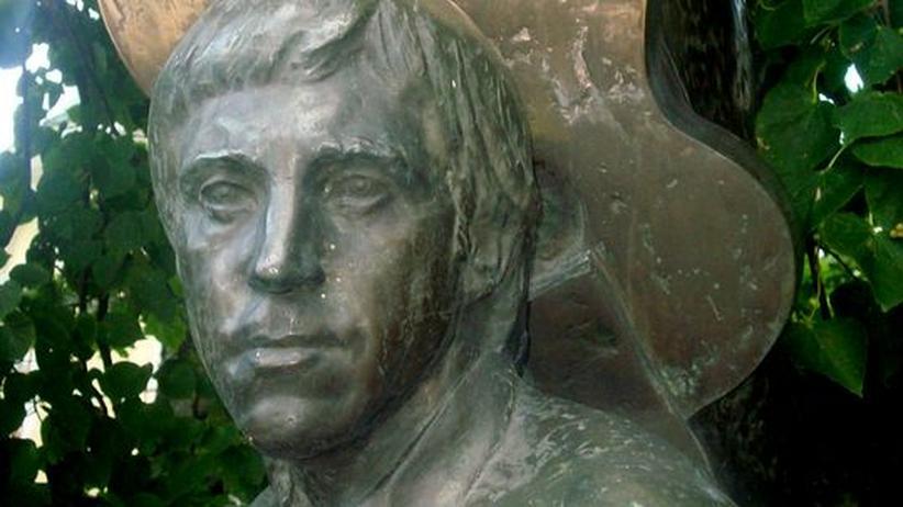 Wladimir Wyssozkij: An Wyssozkijs Grab auf dem Moskauer Prominentenfriedhof