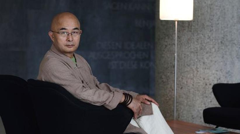 Dichter Liao Yiwu: 14-mal hat der chinesische Dissident Liao Yiwu versucht, aus seinem Land auszureisen. Nun liest er beim Harbour Front Literaturfestival in Hamburg