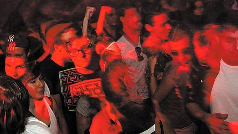 Clubbing im Harry Klein: Verschwinden in einem nächtlichen schwarzen Loch namens Harry Klein