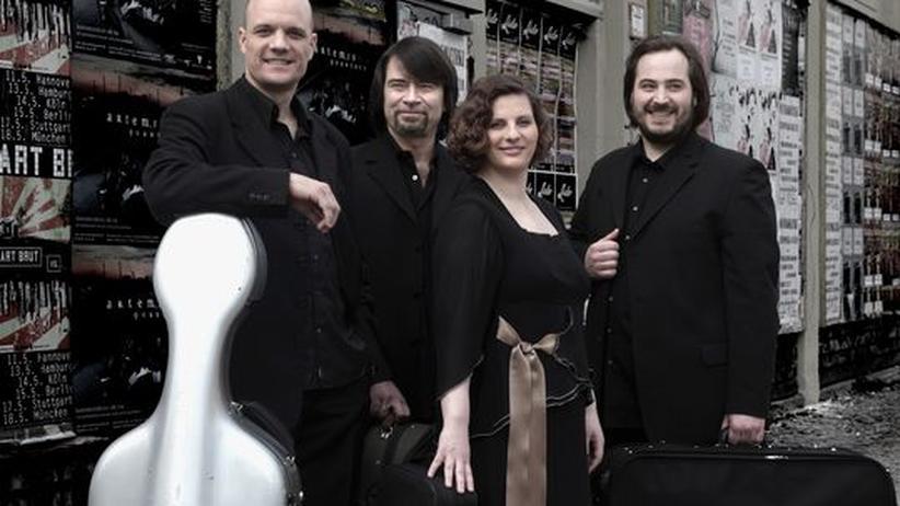 Artemis Quartett: Eckart Runge (Cello), Friedemann Weigle (Bratsche), Natalia Prishepenko (Geige) und Gregor Sigl (Geige) sind das Artemis Quartett