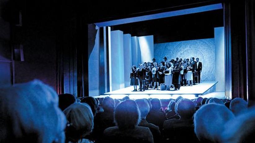 """Subventionen: """"Nabucco"""" soll die Flensburger Oper retten. 15,50 Euro kostet die günstigste Karte. 99,95 Euro gibt der Staat dazu"""