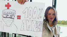 Sophie Hunger vor ihrer Abreise am Flughafen Zürich