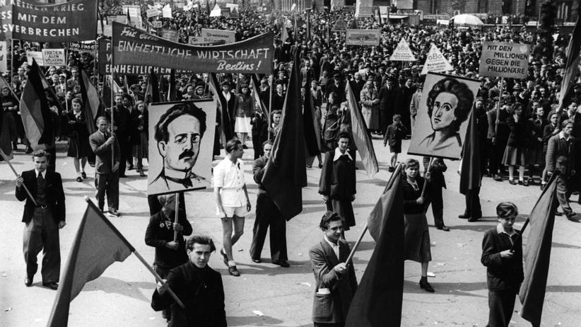 """Deutsche Arbeiterlieder: """"Zerstampft die faschistischen Räuberheere!"""""""